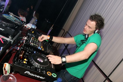 Fedde Le Grand: Put Your Hands Up For Detroit