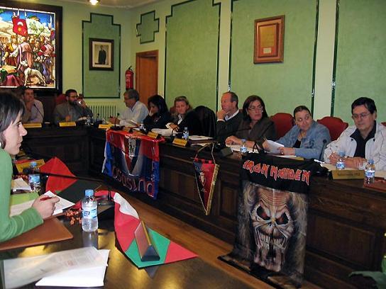 Iron Maiden in Consiglio comunale